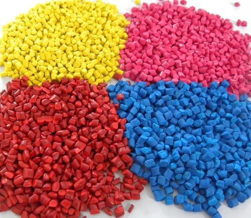 pp-coloured-plastic-granules-500x500